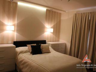 Aida tropeano& Asociados Modern Yatak Odası Bej