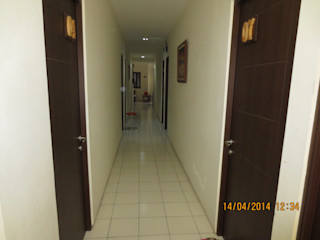 sony architect studio Modern Corridor, Hallway and Staircase