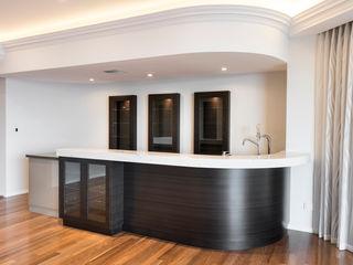 Mosman Park Moda Interiors Salas multimedia de estilo clásico Cuarzo Marrón