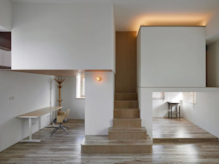 Tiny house in the tiny space Co*Good Design Co. Ltd. 现代客厅設計點子、靈感 & 圖片 合板 White