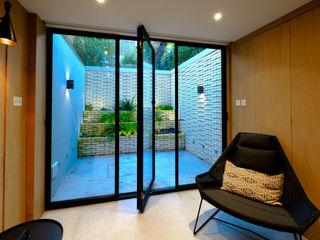 Gibson Square IQ Glass UK Puertas modernas