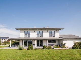 Moderne Stadtvilla mit mediterranem Flair wir leben haus - Bauunternehmen in Bayern Einfamilienhaus