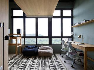 Eightytwo Study/office