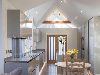 Stoke Row - Modern Kitchen cu_cucine Built-in kitchens Grey