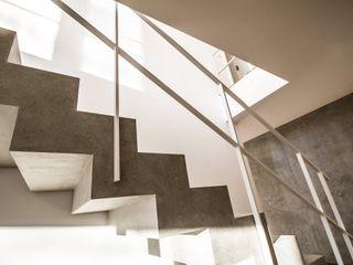 Haus F2 Fiedler + Partner Treppe Beton Grau