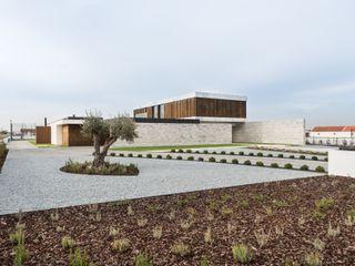 Marta House - Architecture: Risco Singular-Arquitectura Lda Arqº. Paulo Costa e Arqª. Sónia Abreu Risco Singular - Arquitectura Lda Jardins zen