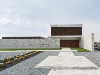 Marta House - Architecture: Risco Singular-Arquitectura Lda Arqº. Paulo Costa e Arqª. Sónia Abreu Risco Singular - Arquitectura Lda Pavimentos