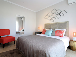 Ana Leonor Rocha unipessoal,lda Eclectic style bedroom