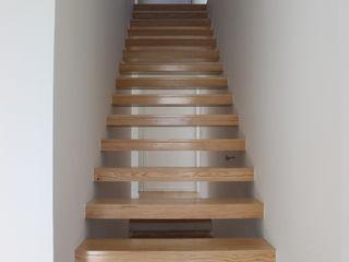Vasco & Poças - Arquitetura e Engenharia, lda Stairs