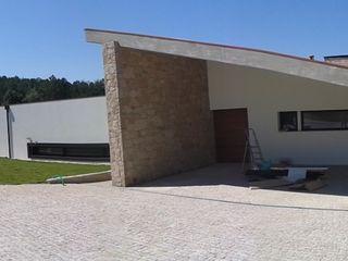 Vasco & Poças - Arquitetura e Engenharia, lda Mediterranean style house