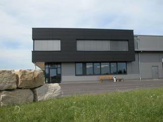 Mack Kunststofftechnik GmbH & Co. KG Architekturbüro zwo P Moderne Bürogebäude
