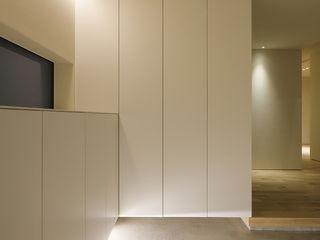 山の手コートハウス 一級建築士事務所 Atelier Casa 北欧スタイルの 玄関&廊下&階段