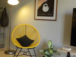 Cristina Lobo WohnzimmerHocker und Stühle
