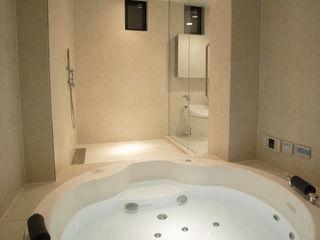 W.D.A Modern bathroom