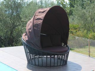 Divano tondo per esterno con parasole Nest Uniko