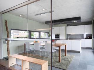 Wohnhaus K Architekturbüro zwo P Moderne Esszimmer