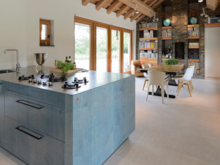 EMYKO | Residential Interior Design Modern Kitchen
