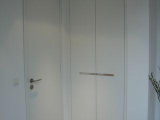 Tischlerei Hegering Corridor, hallway & stairsStorage