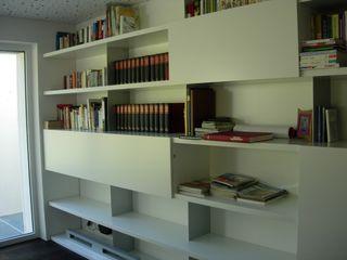 Tischlerei Hegering Ruang Studi/Kantor Modern