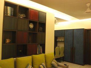 Dezinebox Modern Corridor, Hallway and Staircase