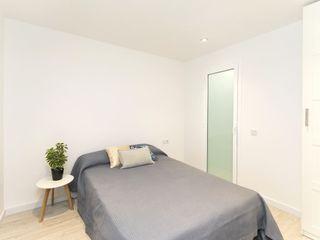 Gramil Interiorismo II - Decoradores y diseñadores de interiores Mediterranean style bedroom
