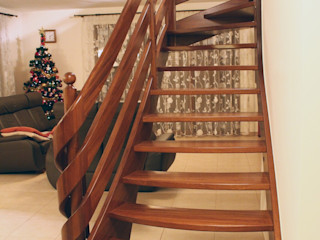 STREGER Massivholztreppen GmbH Classic style corridor, hallway and stairs Solid Wood Brown