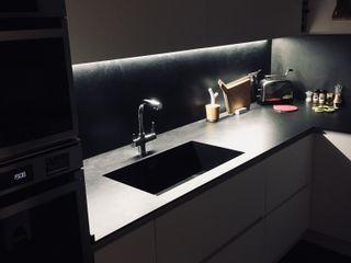 cucina bianco e nero cARTE di Andrea Giannozzi CucinaIlluminazione Truciolato Bianco