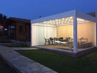 ESPOSIZIONE SVITAVVITA Svitavvita Snc Giardino d'inverno in stile mediterraneo Alluminio / Zinco Bianco