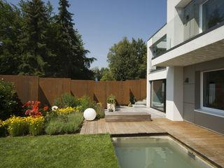 Wohnhaus H Architekturbüro zwo P Moderner Garten