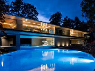 Mアーキテクツ 高級邸宅 豪邸 注文住宅 別荘建築 LUXURY HOUSES   M-architects 모던스타일 주택 콘크리트 우드 그레인
