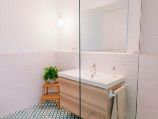 Oslätt Minimalist style bathroom
