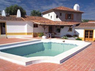 Pedro de Almeida Carvalho, Arquitecto, Lda Country house Stone White