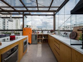 Macro Arquitetos Modern Terrace