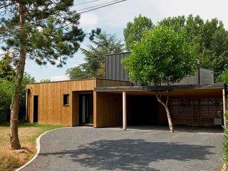 EC-Bois   Maison Laviron   Jouars-Pontchartrain EC-BOIS Chalets & maisons en bois Bois d'ingénierie Bleu
