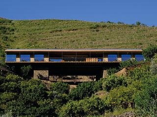 RUSTICASA   Casa do Rio   Vila Nova de Foz Côa EC-BOIS Hôtels modernes Bois d'ingénierie Effet bois