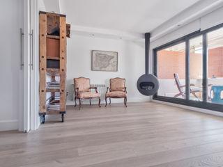 Tarimas de Autor Modern living room Wood