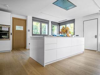 Tarimas de Autor Built-in kitchens Wood