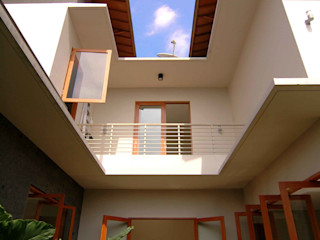 Residential_Landed_Semi-Detached House daksaja architects and planners Atap Beton Bertulang Wood effect