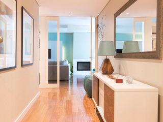 ShiStudio Interior Design Corridor, hallway & stairsAccessories & decoration