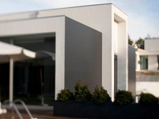 ShiStudio Interior Design Front garden