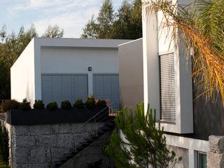 ShiStudio Interior Design Modern walls & floors