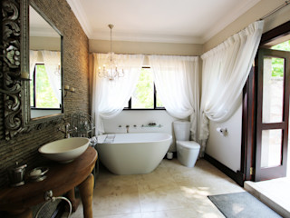 JSD Interiors حمام حجر الكلس Beige