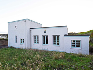 Scarth Craig, Cowie, Stonehaven, Aberdeenshire Roundhouse Architecture Ltd Eclectic style houses Concrete White