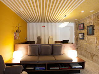 ShiStudio Interior Design Corridor, hallway & stairsSeating