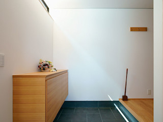 夏蜜柑の家 H建築スタジオ 和風の 玄関&廊下&階段