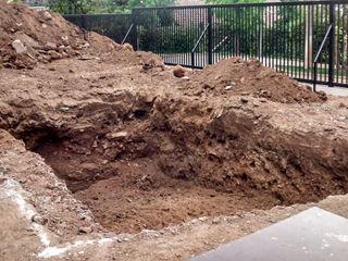 Excavación homify Piscinas de jardín Hormigón reforzado Azul