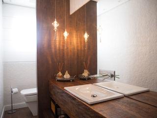 realizearquiteturaS Moderne Badezimmer