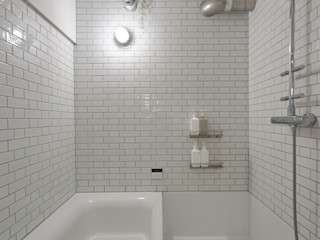 .8 / TENHACHI Salle de bain originale Tuiles Blanc