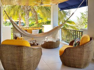 Remodelar Proyectos Integrales Tropikal Balkon, Veranda & Teras İşlenmiş Ahşap Sarı