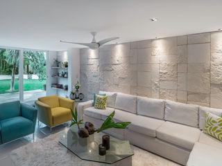 Art.chitecture, Taller de Arquitectura e Interiorismo 📍 Cancún, México. Salas de estilo tropical